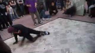 Bboy Kid Steez vs Jungle @ curb servin First round