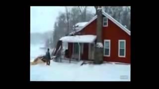 Как не надо спиливать деревья(Поучительная подборка видео для всякого, кто берет в руки бензопилу., 2016-03-22T12:02:28.000Z)