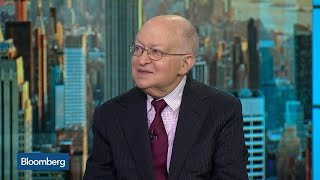 Harvard's Feldstein Says Debt to Reach 100% of GDP by End of Decade