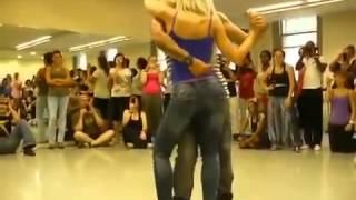 Кизомба - очень сексуальный и красивый танец.