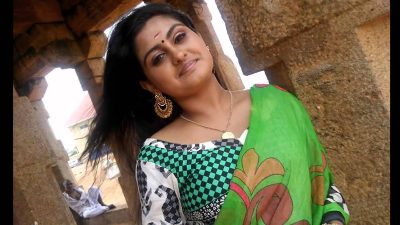 Sini Varghese Hot Sexy Malayalam Serial Actress