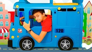 Alena and Pasha play wheels on the bus by Chiko Tv