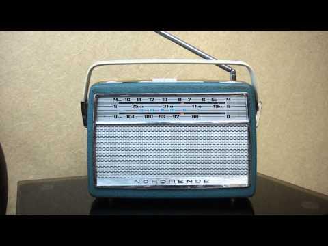 ITEM 256 樂滿第第一代原子粒手 提式木殼枱機 珍正古董收音機有限公司