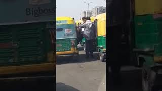 Delhi traffic police auto rickshaw walon ke sath.