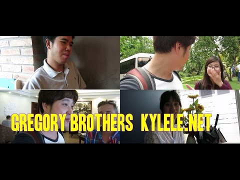 Vietnam life food with youtube superstars Kylele.net and Bed intruder song stars Gregory Brothers