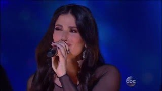 Idina Menzel Performs