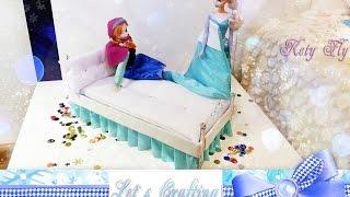 Делаем кровать для куклы Эльзы - Make a doll bed for Elsa(Пожалуй ни одна куколка не откажется от теплой и уютной кроватки. Сегодня мы делаем кровать в стиле Эльзы..., 2015-12-25T19:13:13.000Z)