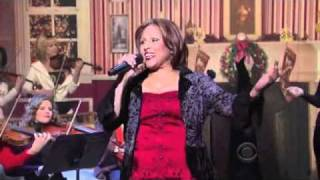 Darlene Love on David Letterman Christmas 2010 (HD)