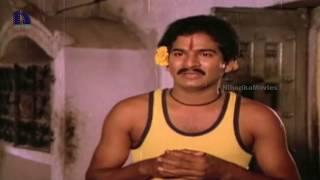 Repeat youtube video Suthivelu, Y Vijaya Romance - Pavitra Telugu Movie Scenes