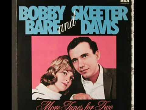 Bobby Bare & Skeeter Davis - In The Misty Moonlight
