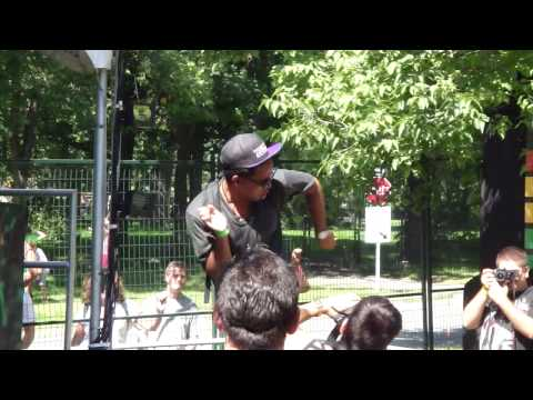 How to cook in Osheaga ? ( Lunice - Montreal 2010)