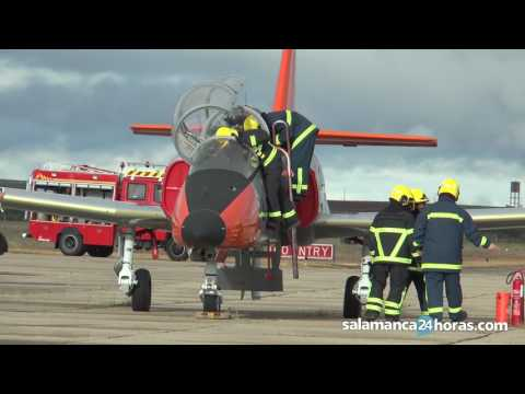 Simulacro de accidente aéreo en la Base Aérea de Matacán
