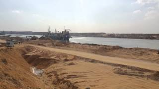 شاهد 4كيلو بالكامل فى قناة السويس الجديدة بعد الانتها ء من الحفر وبدء التكريك