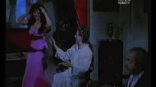 رقصه ساخنه لمديحه كامل بثوب النوم الوردي