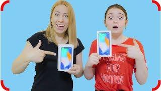 Тома ЭТО ЗАСЛУЖИЛА? Получили ДВА iPhone X!!! Подарки под елкой