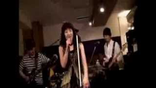 2014.1.18、立川Crazy Jamにて。 ボーカル:未来、ギター:kazu、ベース...
