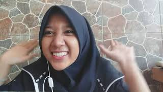 PRAGMATICS Background Knowledge of context Putri Aurelya Larasti