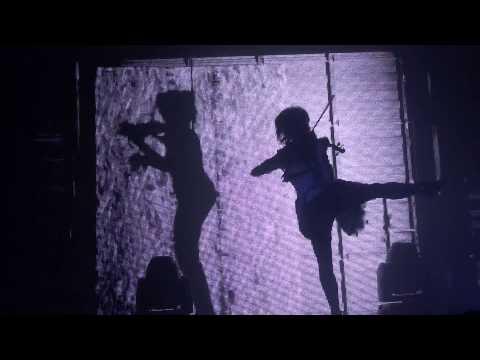 Simple Plan - Crazy (live Radiant-Bellevue Caluire-et-Cuire [Lyon] 01/09/15)de YouTube · Durée:  4 minutes 6 secondes