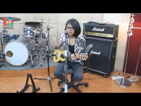 DescribeIndonesia.com - D! Chat - An Interview With Tika Prasastya