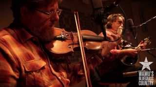 Tim O'Brien & Darrell Scott - Memories And Moments [Live at WAMU's Bluegrass Country] thumbnail