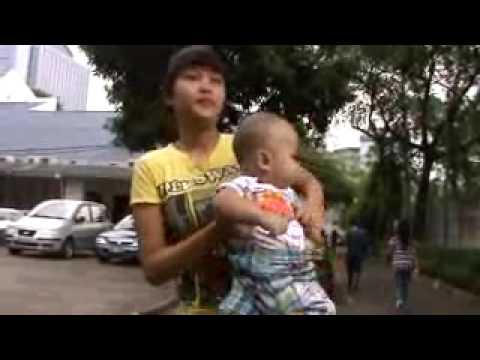 Bayi Melayang di Udara