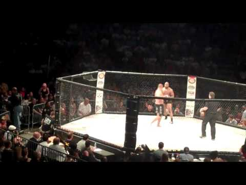 PRIZE FIGHT MMA JEREMIAH TRUNDLE VS ROBERT NEAL (8/6/2011 SOUTHAVEN MS)