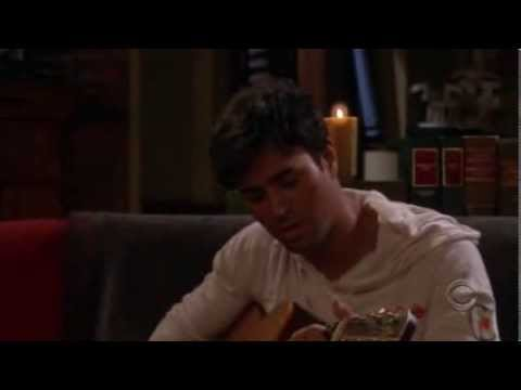 "Enrique Iglesias sings in ''How I Met Your Mother""' argentina en las series"