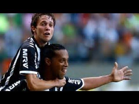 """Ronaldinho Gaúcho & Bernard - """"The show must go on"""" - Atlético Mineiro"""
