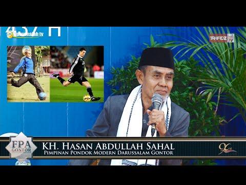 Tendangan Bola KH. Hasan Abdullah Sahal Vs Cristiano Ronaldo  Pada Acara FPA GONTOR
