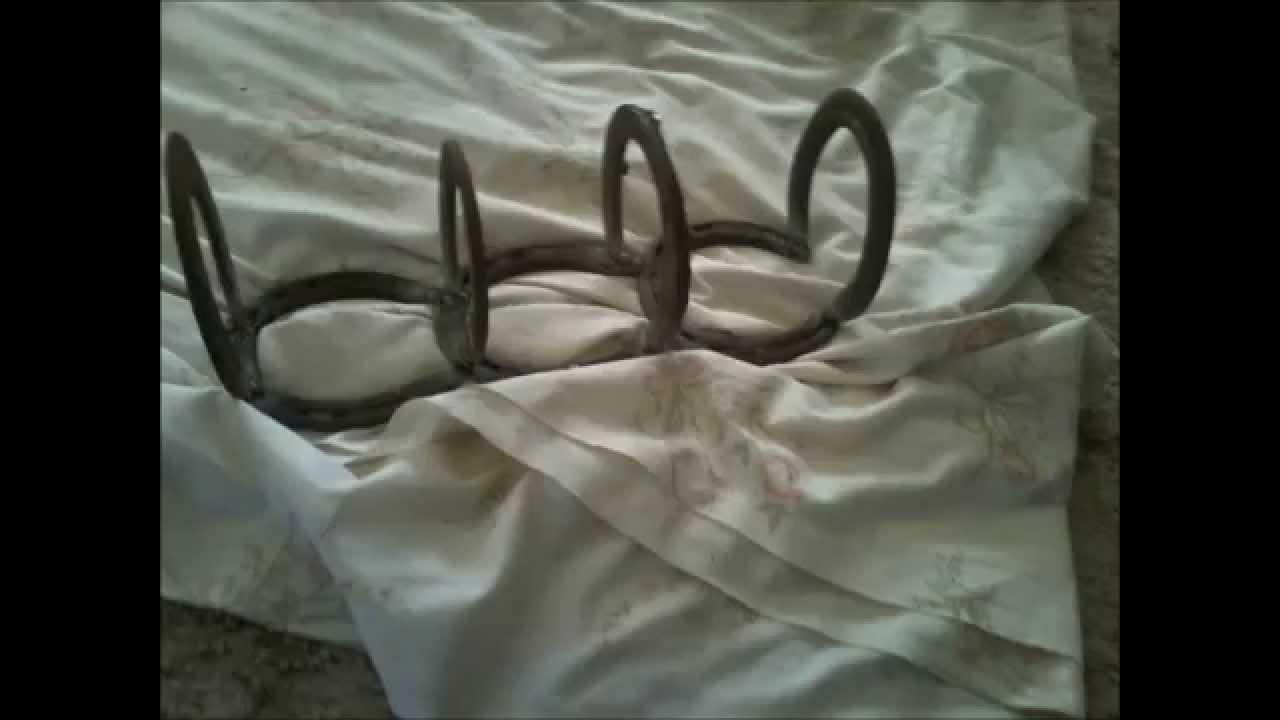 Welding stuff ive made out of horseshoes youtube for Things made from horseshoes