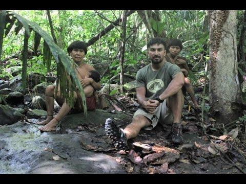 Hanging out with mom in the Amazon: foraging and walking through the jungle