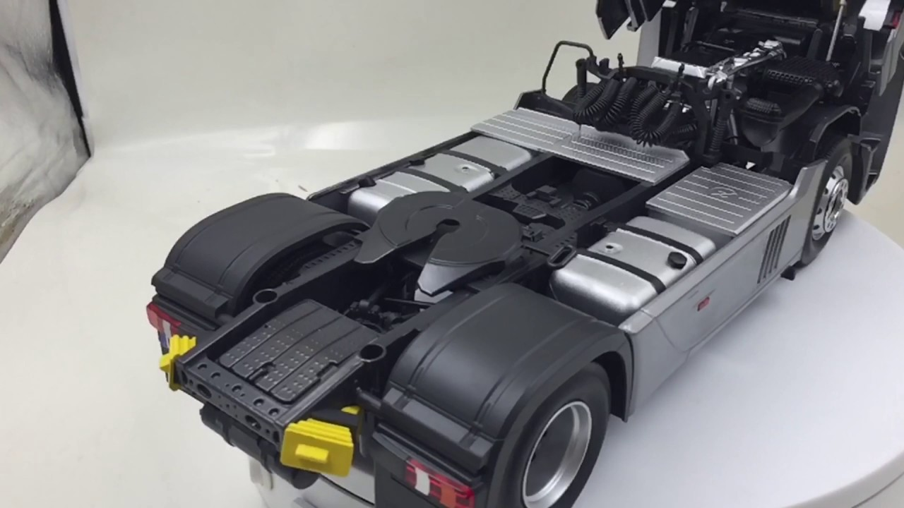 Nzg Mercedes Benz Actros Giga Space Truck Tractor In Scale 1 18