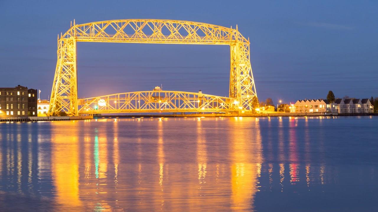 Duluth Harbor Cam Full Bridge Moon Duluth Aerial Lift Bridge