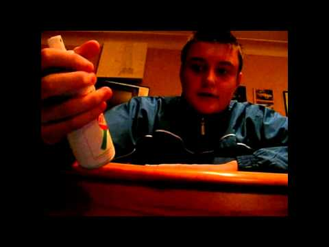 Table Tennis Tips - how to clean your bat