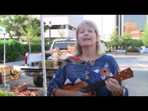 Lyndie Diamond at the Sarasota Farmer's Market