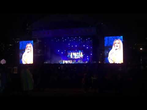 Ashley - Miranda Lambert & Maren Morris Lead All-Female U2 Jam