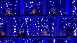 *Canta Comigo* - Chandelier / Luiza Lapa