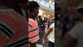 PAMPA GOOD VIBES - Beki nagpasikat sa loob ng isang mall