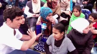 طفلة سورية من مخيم الزعتري تبكي بحرقة: