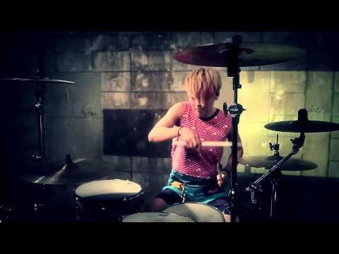 ROLLY-POP <MV> / トライアンパサンディ