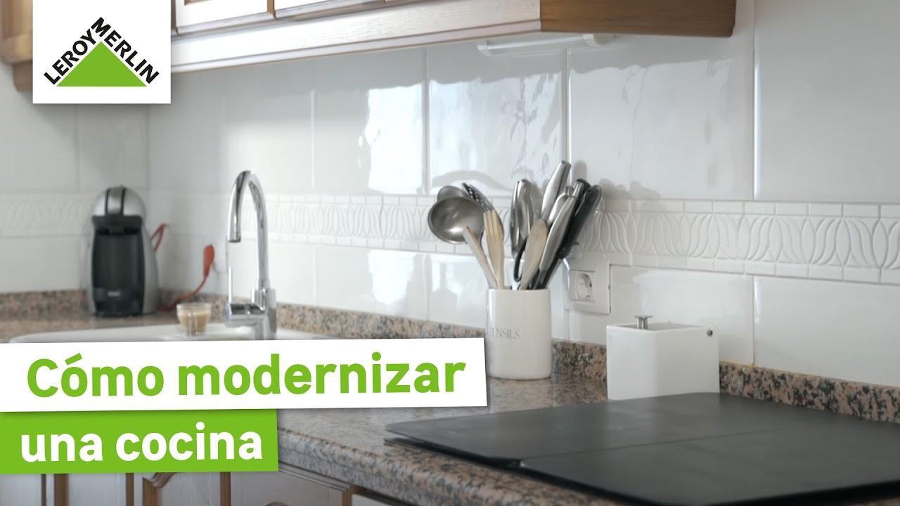Bricoman a c mo modernizar una cocina la experiencia de for Pintura para azulejos precio leroy merlin