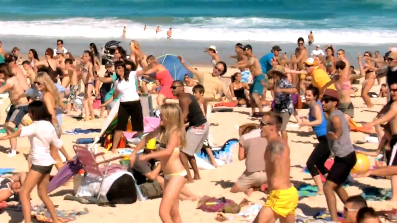 Bondi Beach Gets Flipped Towel Surfing Flip Video Flash Mob Youtube