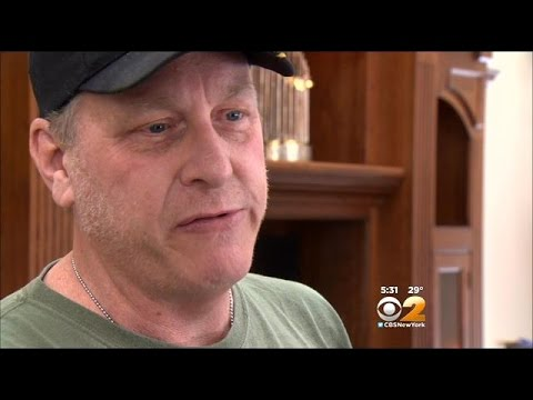 Curt Schilling Tracks Down Cyber Bullies