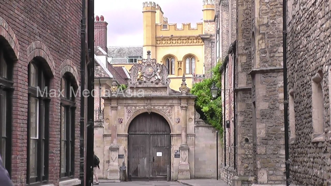 Download Cambridge University St John's College and Side Streets