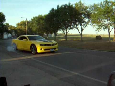 Burnout 2010 Camaro SS - YouTube