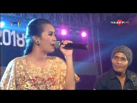 Kanggo Riko Voc  Rena KDI //  Monata Live TMII Jakarta