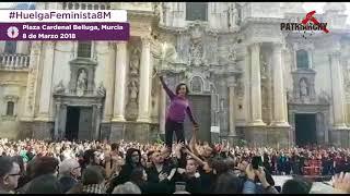 🎬 Impresionante actuación por el #DíaDeLaMujer en la Plaza de la Catedral de Murcia.