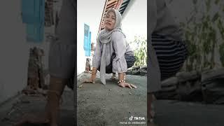 "Gambar cover Vidio lucu banget emak2 main tiktok   status wa lucu ngakak 30 detik mundur Alon"""