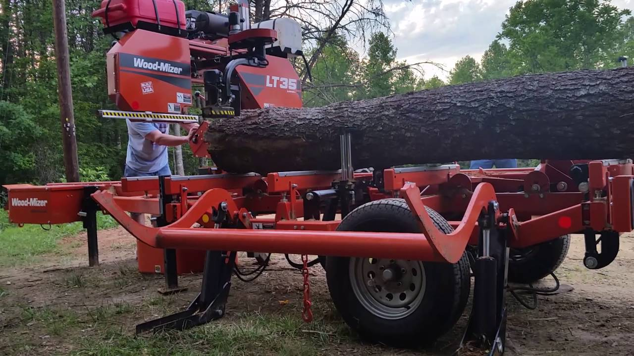 Woodmizer LT 35 portable sawmill in action