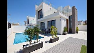 A vendre villa avec piscine au sud de Alicante en Espagne